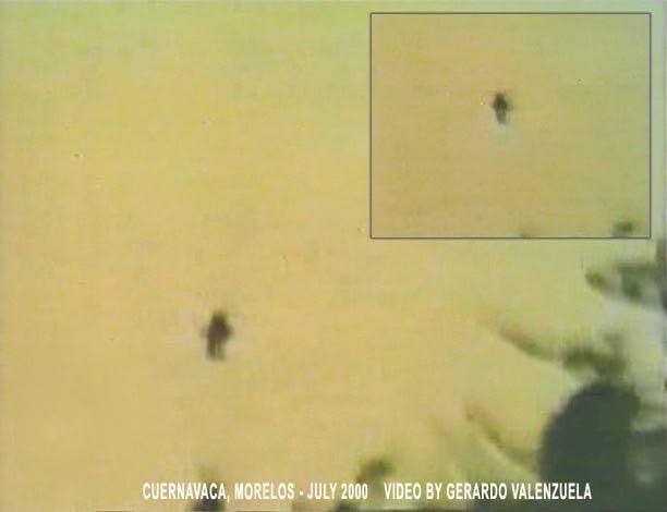 """<div>Очередной снимок из серии """"Летающие гуманоиды Мексики"""".</div><br />"""